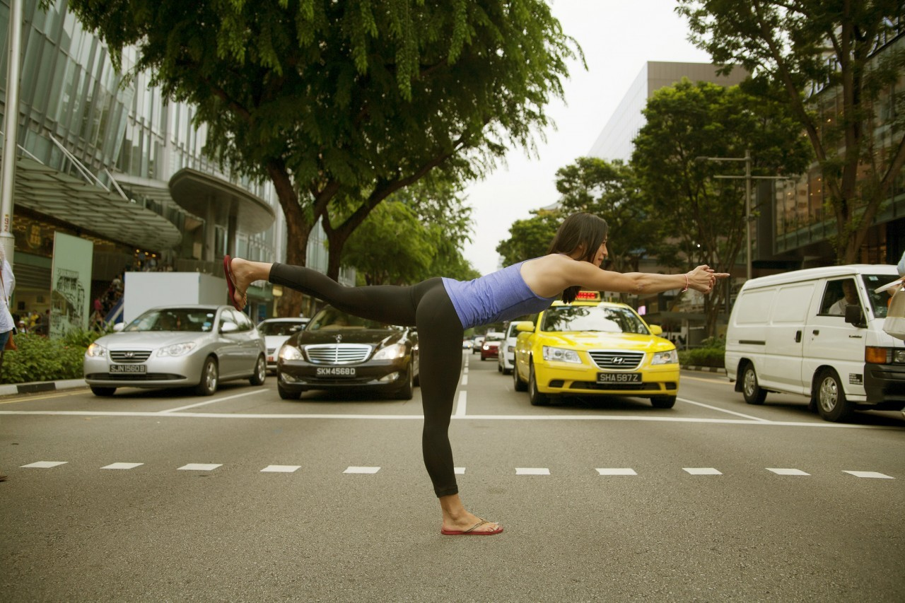 yoga-in-the-street